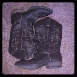 Women's Cowboy Boots !